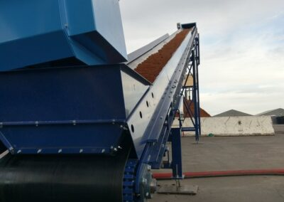 CM200 with bulk infeed